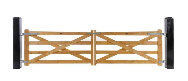 4 Rail Plain Timber Gates