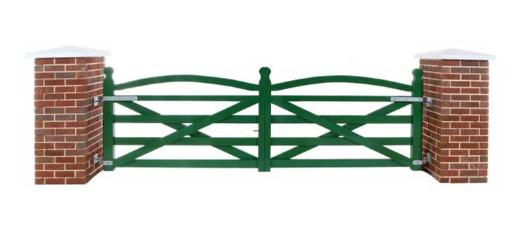 Green Summerfield Timber Gates